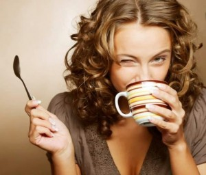 FreeImageWorks.com___Girl_drinking_coffee6